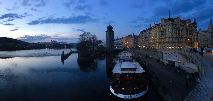 Blauwe uur in Praag