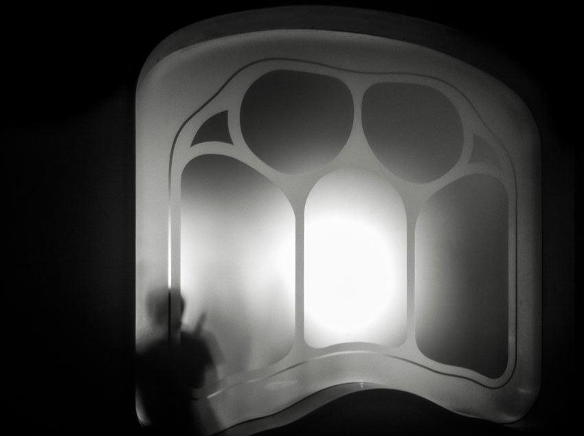 Zwart-wit-foto van Casa Battló in Barcelona, gemaakt met een iPhone SE