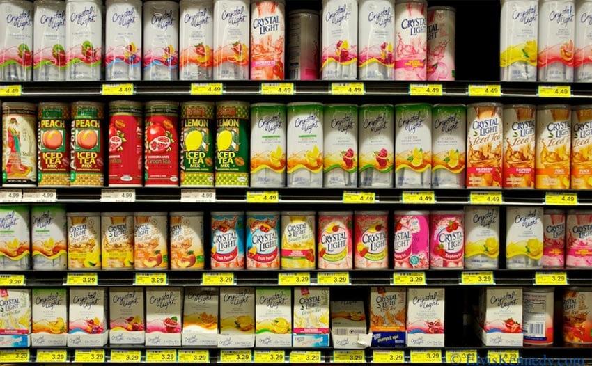 Te veel keus in het schap bij de supermarkt