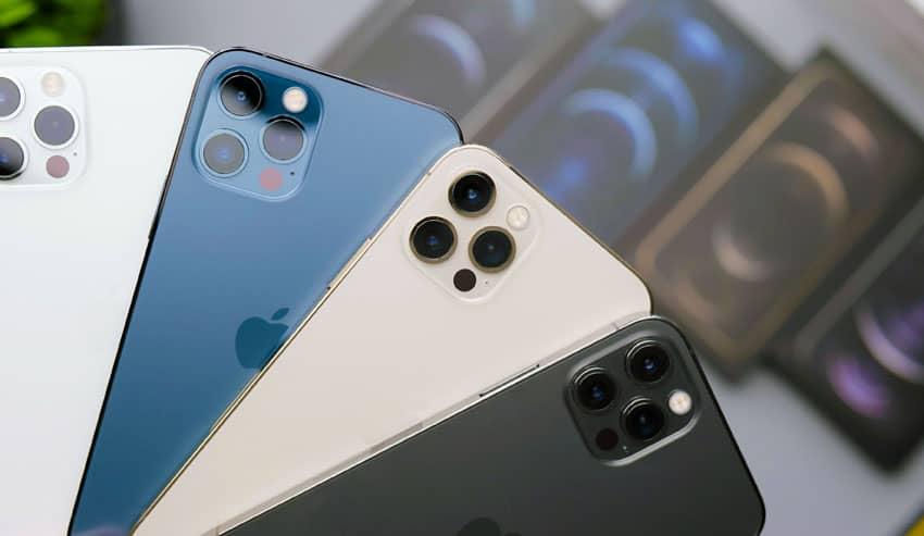 iPhone 12 met ultragroothoek en telelens