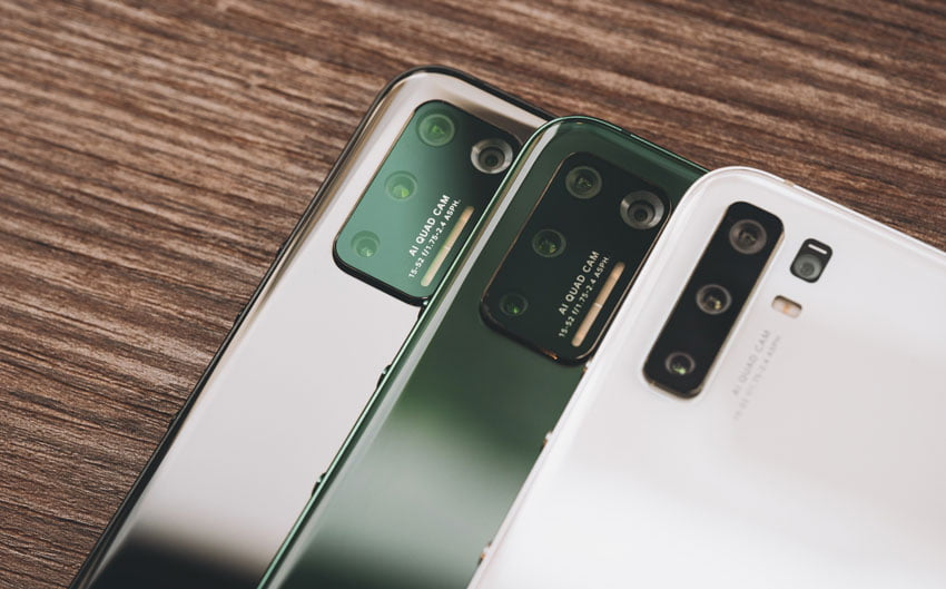 Lenzen aan randen van smartphone